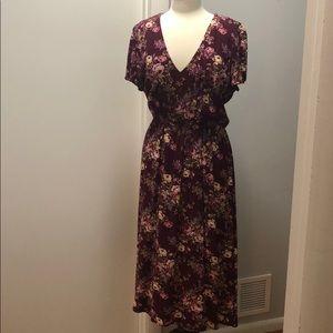 Comfortable and Feminine Floral VNeck Dress